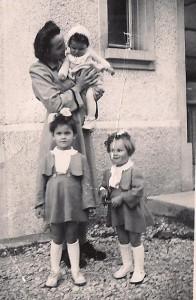 maman et les 3 filles
